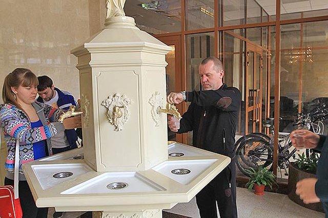 Бювет с минеральной питьевой водой в санатории МЧС в Кисловодске